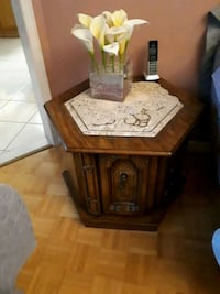 brown wooden side table with marble top Vaughan, L4K 2K1