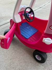 Little Tikes Girl's Car Tomball, 77375