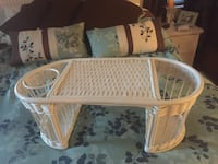Vintage white wicker/rattan breakfast tray  Orlando, 32817