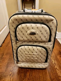 Beautiful Carryon luggage  Toronto, M9C 4T4