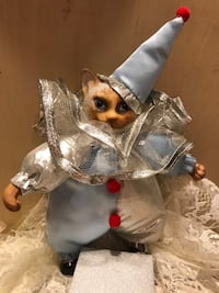Adorable Collectable Porcelain  kitty in costume Gainesville, 20155