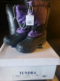 New girls snow boots size 3y Antioch, 94509