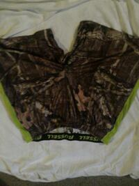black and green camouflage shorts Surrey, V3T