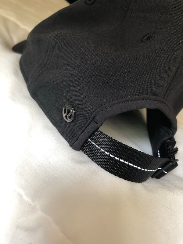ec9317490 Used Lululemon black hat for sale in Mc Lean - letgo