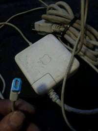 Apple charger Sun Valley, 91352