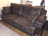 Couch and Recliner Set Worcester, 01604