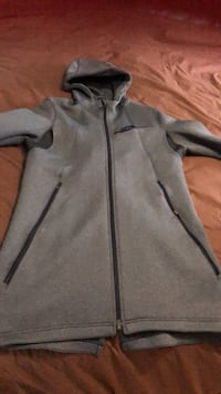 Nike KD jacket woman's size large amazing fit paid over 300.00 for it  Mississauga, L5N 1Y6