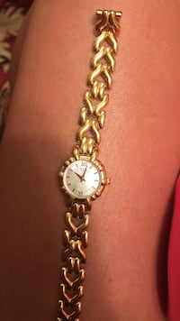 round gold analog watch with link bracelet Cleveland, 30528