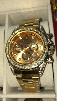 round gold Rolex chronograph watch with link bracelet Brampton, L6T