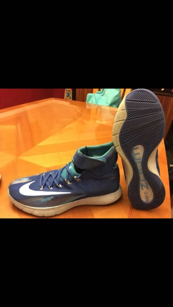 cheap for discount e450b c6870 Kyrie Irving Nike basketball shoes size 11