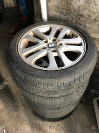 gray 5-spoke car wheel with tire set Chicago, 60613