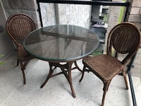 Outdoor patio table and chairs Barrie, L4M 2V1
