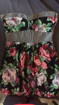 Strapless floral dress size medium  Kitchener, N2M