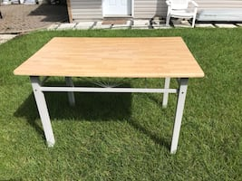 Beautiful Table - like new condition