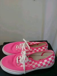 pair of pink low-top sneakers Raleigh, 27612