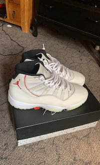 Selling retro Jordan 11 men's size 12
