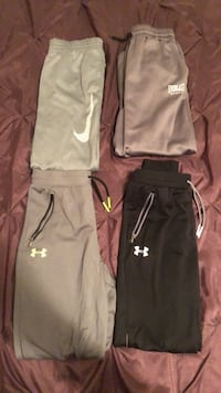 Youth Large and extra large pants West Des Moines, 50266