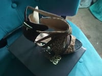 unpaired brown, black and beige leopard print open-toe sandal Sacramento, 95815
