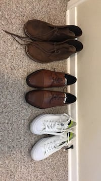Three pairs of assorted shoes Kelowna, V1Y 6A1