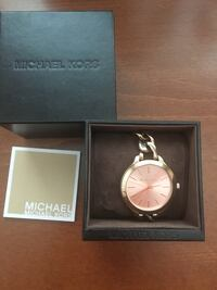 Round rose gold michael kors analog watch with link bracelet Vaughan, L4L 1A7