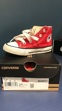 unpaired red Converse All Star hightop sneaker with box Hackensack, 07601