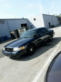 Ford - Crown Victoria - 2003 New Castle