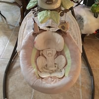 Baby's gray and white cradle n swing Artesia, 90703