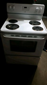 New 1 year old STOVE  Montréal, H1E 3A6