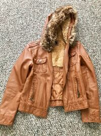 Women's jacket almost new size small Stamford, 06902