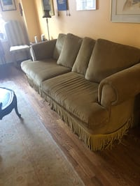 Couch beautiful Markham, L6C
