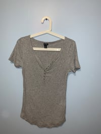 Grey low cut tshirt  Vaughan, L4J 2Y8