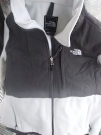 black and white zip-up jacket woman's lg.northface SANFRANCISCO