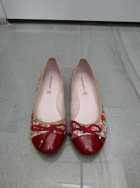 Red floral flats, women size 6.5
