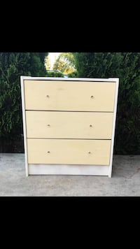 Small chest drawer  Moreno Valley, 92553