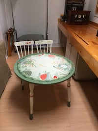 Kids painted table and chairs Charleston, 29455