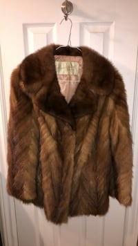 VERY RARE BRAND NEW CONDITION FUR SALON EATONS MINK COAT Toronto, M9W 4E5