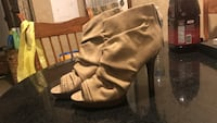 pair of brown leather heeled boots Newburgh, 12550
