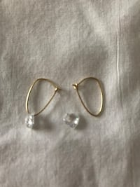 14 k gold leverback type earrings with clear crystals Rochester, 14626