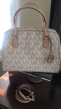 Michael Kors Hand Bag/Purse