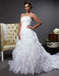 women's white sweetheart neckline wedding gown