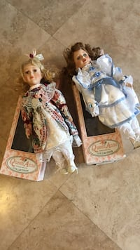 Queen Anne Porcelain dolls never been used with stands and original boxes Fullerton, 92835