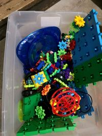 Kids learning gears toy motors  Edmonton, T5W 5B4