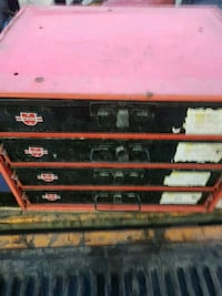 red and black tool chest Seagrave, L0C