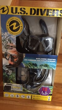 Scuba divers goggles and flippers and tub Mississauga, L5R 1N8