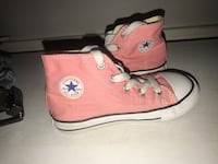 High top pink converse see pictures for size still I'm great condition my daughter wore them twice  Bakersfield, 93304