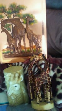 Copper picture 18 X 24 10 in giraffe candle and th 3157 km