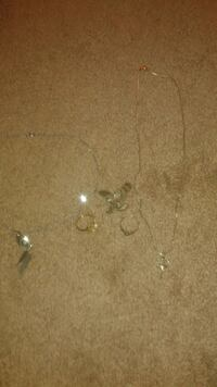 Gold and silver rings n necklace scrap as well Bloomington, 55420