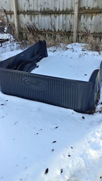 Ford bed liner see other pic for details Greenville, 48838