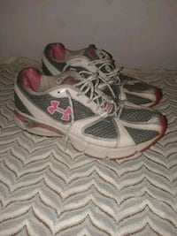 pair of gray-and-pink running shoes Roanoke, 24012