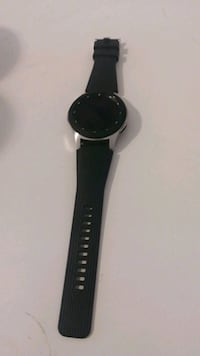 Samsung galaxy watch with charger  London, N6B 1N3